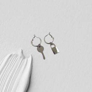 2/$20‼️ HANDMADE SILVER LOCK & KEY EARRINGS